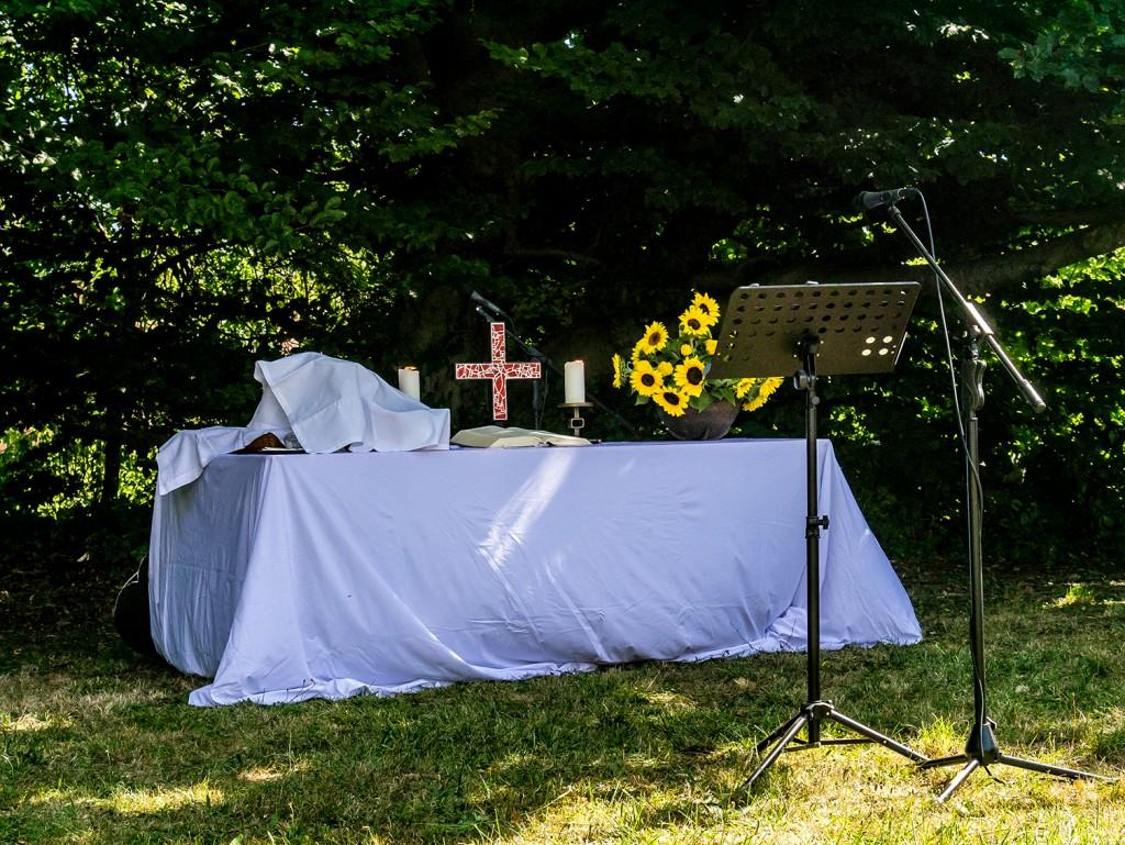 Altar im Kirchengarten